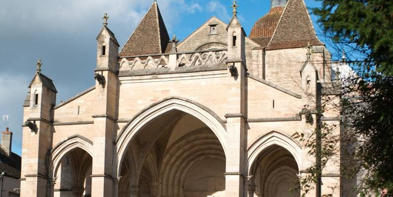 Basiliek Notre Dame in Beaune