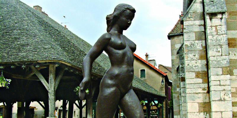 - Internationale biënnale voor hedendaagse beeldhouwkunst in Nolay